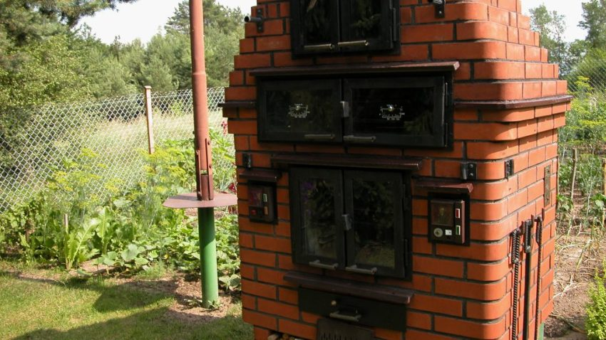 DIY meat smoker and gril