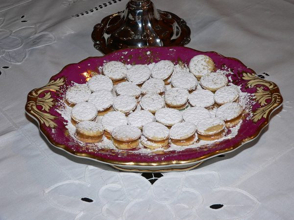 Mini alfajores - https://commons.wikimedia.org/wiki/File:Alfajores.JPG