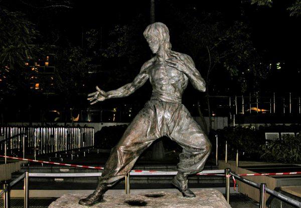 Avenue of Stars Bruce Lee statue